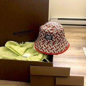 Women's Burberry Reversible Bucket Hat